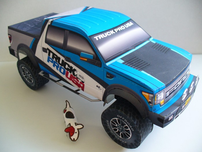 Tetsuya Hara Ford Raptor with little dog
