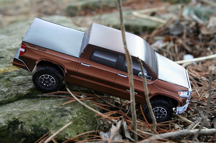 2014 TOyota Tundra pickup paper model
