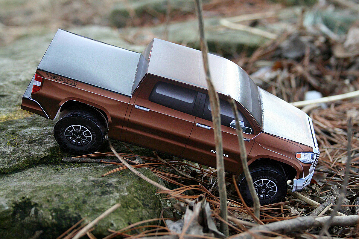 New paper model completed: 2014 Toyota Tundra pickup « Papercruiser.com