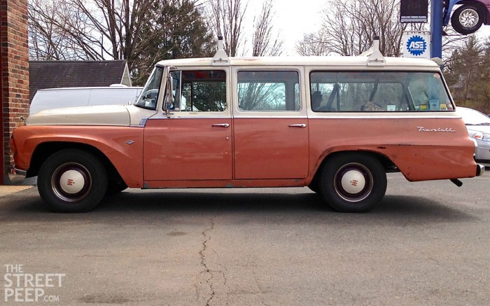 International-Harvester_Travelall_1000-Series_Custom_1963_1